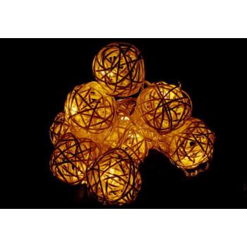 Okrasný světelný řetěz z koulí - ratanový vzhled, na baterie
