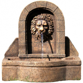 Zahradní kašna s tekoucí vodou, motiv lví hlavy