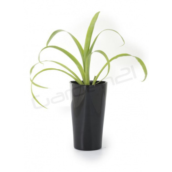 Vysoký okrasný květináč samozavlažovací, trojúhelníkový, 26 cm, černý