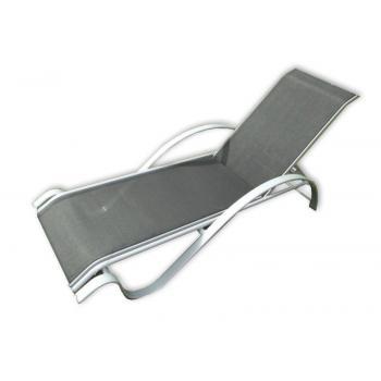 Designové relaxační lehátko k bazénu, textilní polstrování, šedá / černá