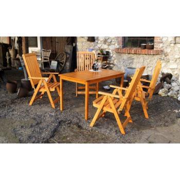 Venkovní dřevěný stůl z masivu obdélníkový, lakovaná borovice, 130 cm