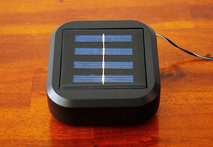Zahradní světelný LED řetěz se solárním napájením 21 m