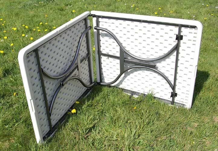 Kempinkový set nábytku - stůl + 2 lavice, kovový rám, plastová deska