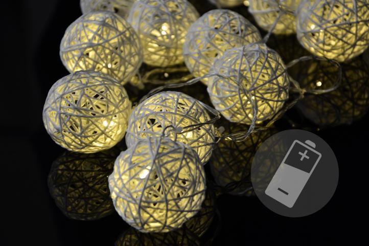 Dekorativní osvětlení do interiéru - koule, na baterie, 230 cm