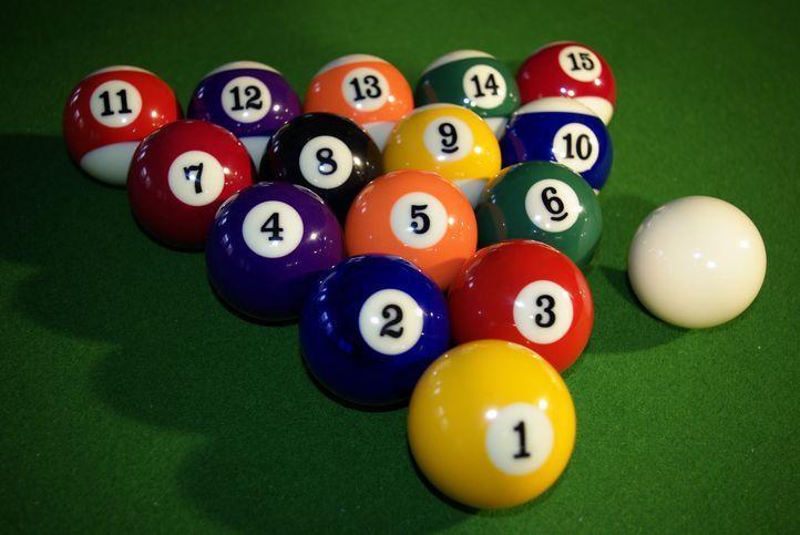 Kulečníkové koule 57,2 mm - profesionální hrací sada, 16 ks