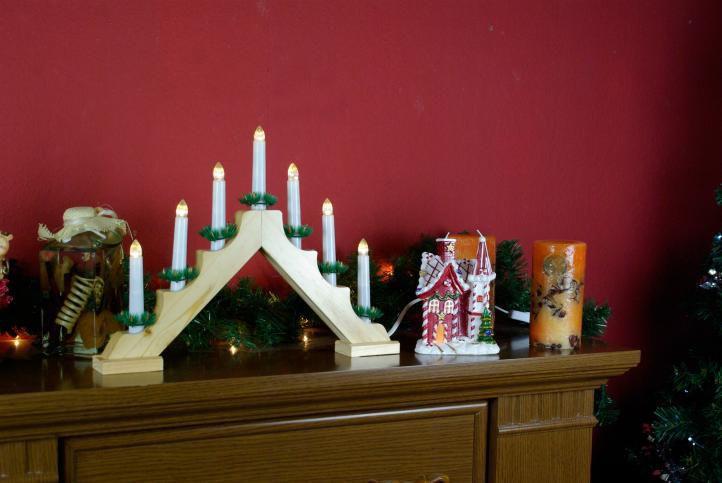 Vánoční svícen elektrický, trojúhelníkový tvar, 7 svíček