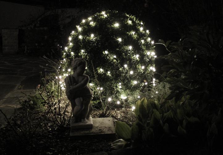 Vánoční světelná síť - závěs venkovní / vnitřní 1,8 x 2,3 m, 320 diod