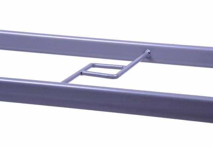 Obdélníkový kovový zahradní stůl se skleněnou deskou