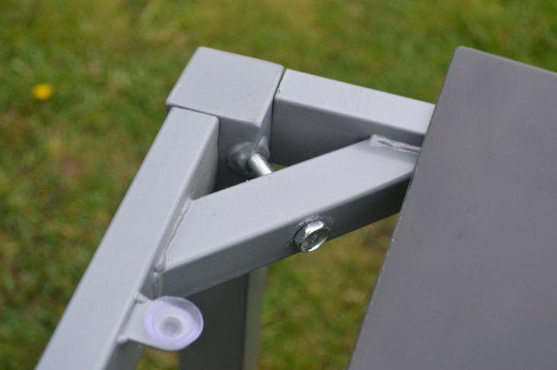 Moderní sestava zahradního kovového nábytku s obdélníkovým stolem