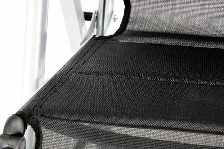 2 ks zahradní hliníková židle / lehátko s podložkou pod nohy, textilní výplet