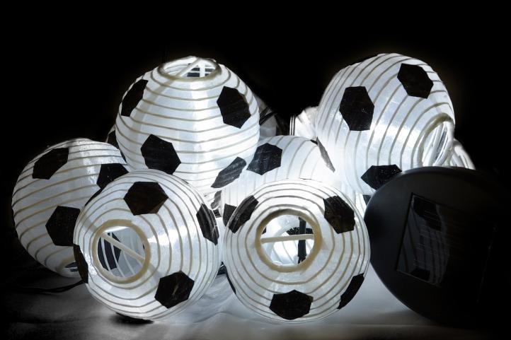 Solární venkovní řetěz - svítící lampiony ve tvaru míčů, 10 ks