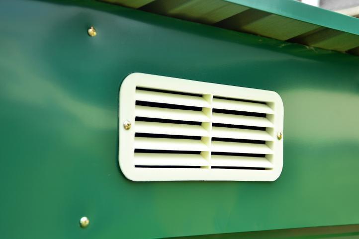 Kovový zahradní domek na nářadí, posuvné dveře, 120x208x187 cm, zelený