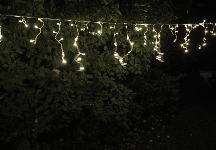 Světelný déšť- závěs venkovní / vnitřní, 200 LED diod, 4 m