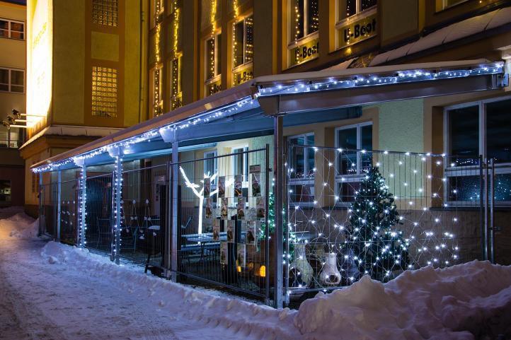 Vánoční světelný řetěz venkovní / vnitřní, automatické rozsvěcení, 20 m