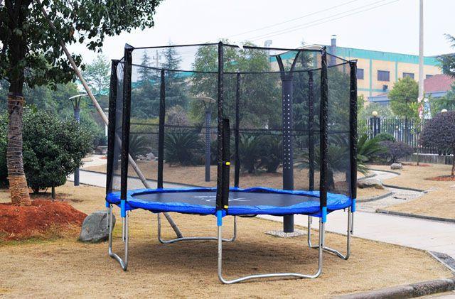 Velká zahradní trampolína s ochrannou sítí 366 cm, nosnost 150 kg