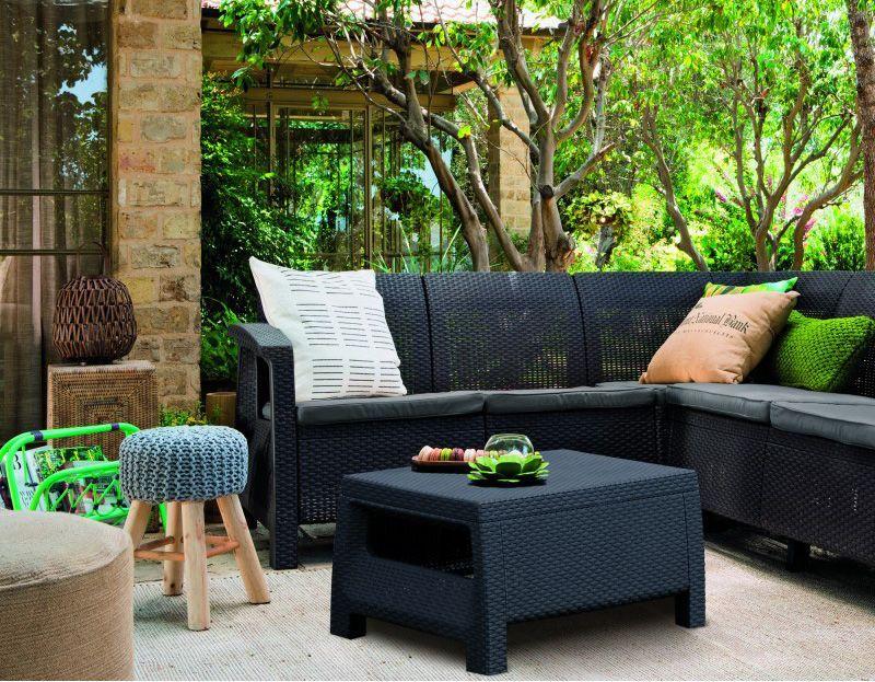 Zahradní rohový ratanový nábytek- pohovka se stolkem, hnědý