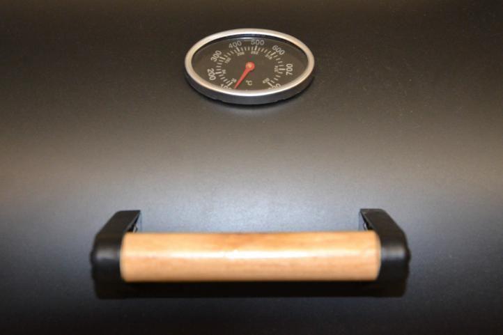 Velký americký gril s kolečky na dřevěné uhlí, ocel, 32 kg