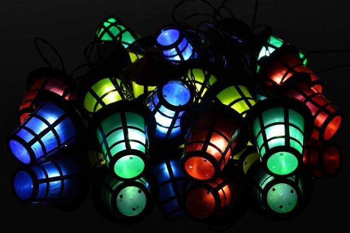 Svítící venkovní LED řetěz s lucerničkami, barevný, 5 m