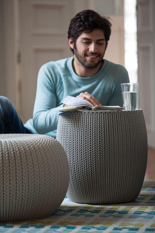 Set nábytku na balkon / do interiéru, taburety + stolek, háčkovaný vzor