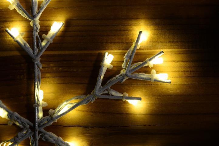 Vánoční svítící vločka na zavěšení do okna / na stěnu, 30 cm